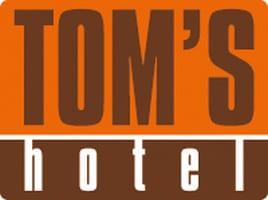 image003 1 - Toms Hotel