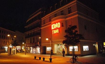 kino aussen - Kino TONI & TONINO